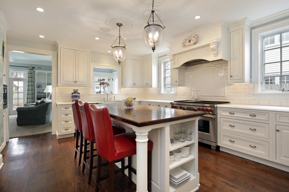 Dale un toque de diseño y organización a tu cocina con una isla ...