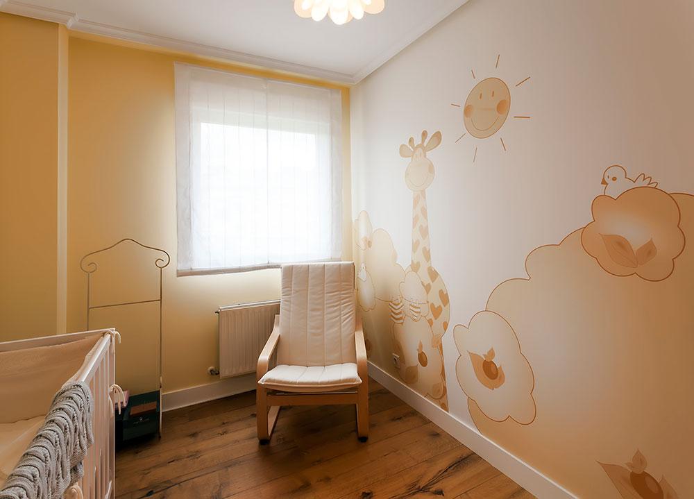 Decoración de habitación para recién nacidos en Bizkaia. Trabajo de Reformas Zuhaldi