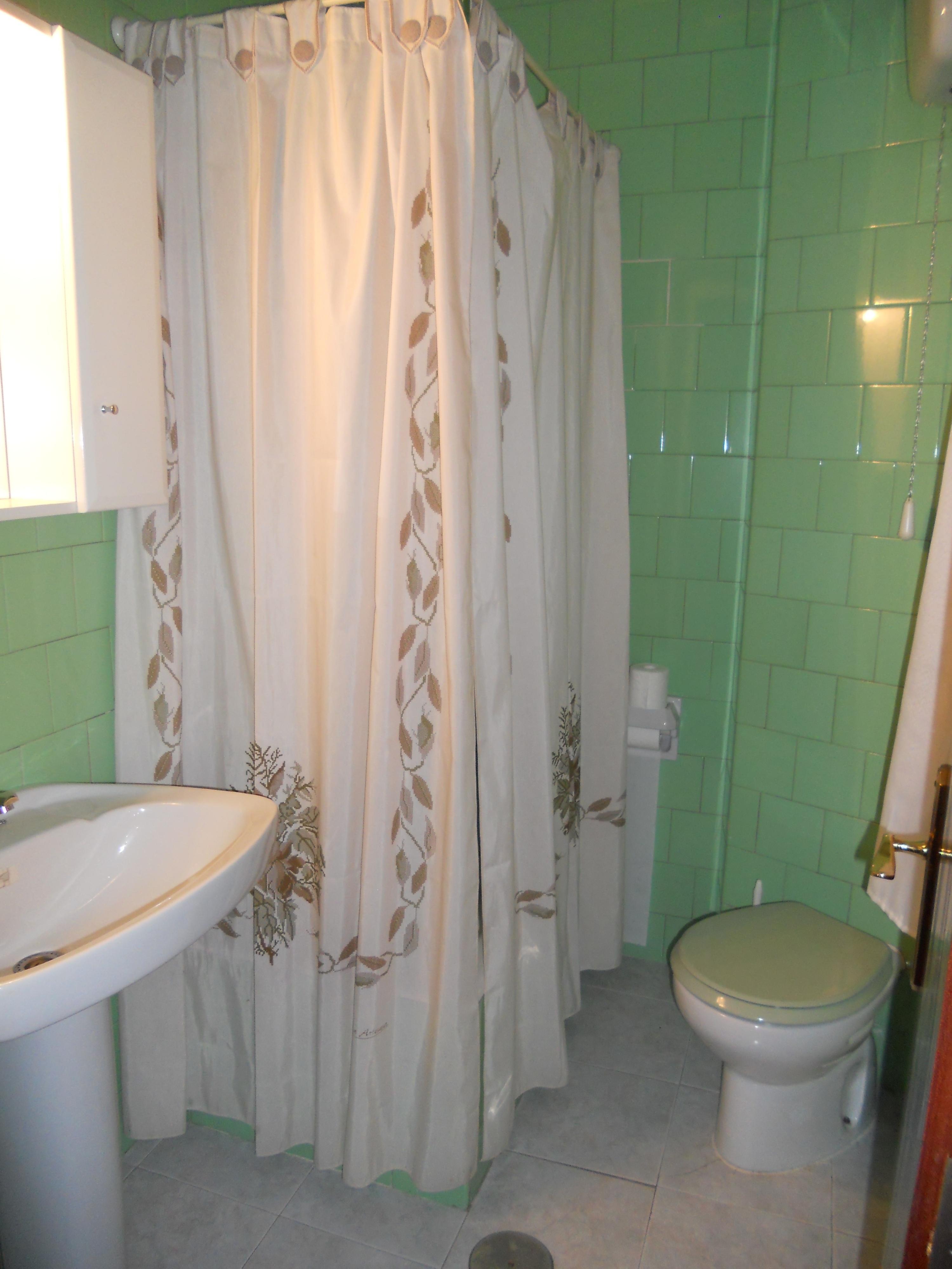 Baño en Basauri antes de la reforma integral